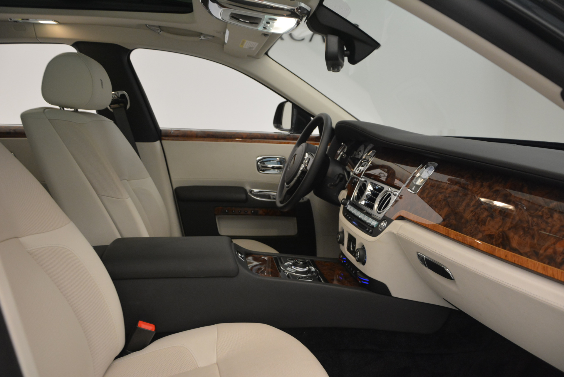 Used 2013 Rolls-Royce Ghost  For Sale In Westport, CT 702_p32