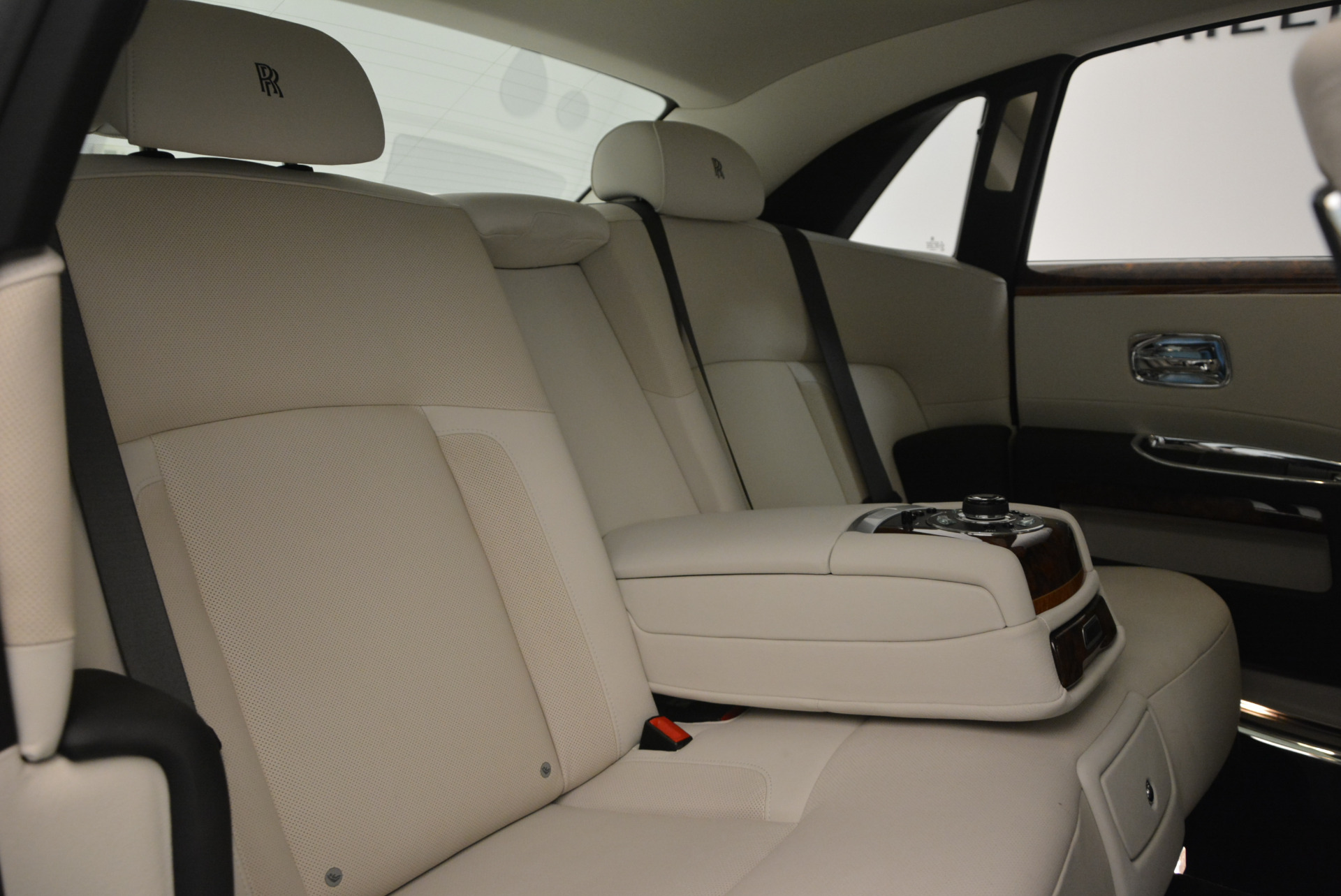 Used 2013 Rolls-Royce Ghost  For Sale In Westport, CT 702_p37