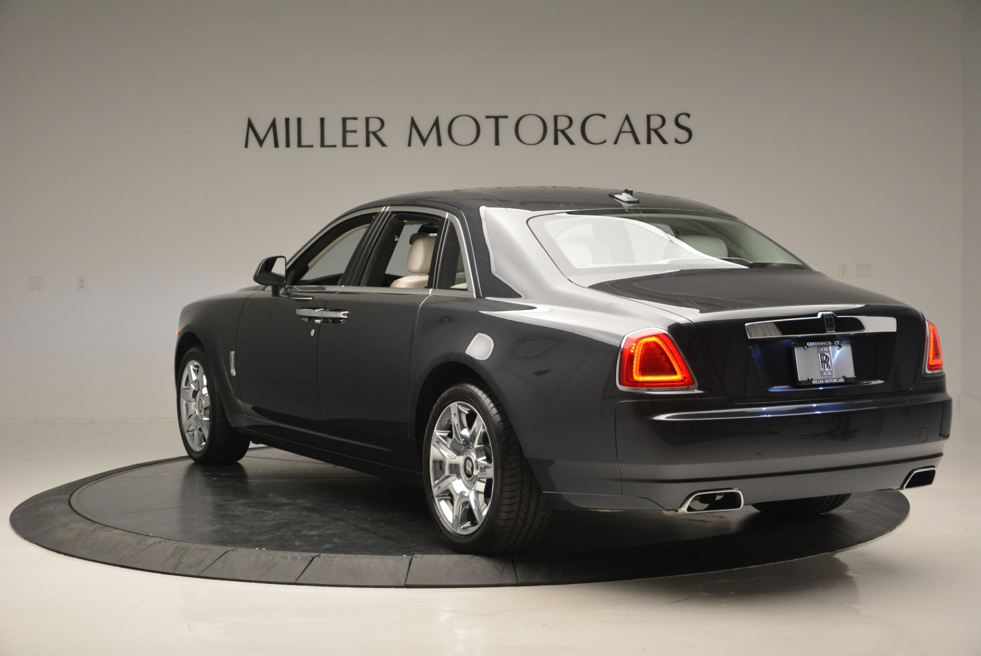 Used 2013 Rolls-Royce Ghost  For Sale In Westport, CT 702_p6