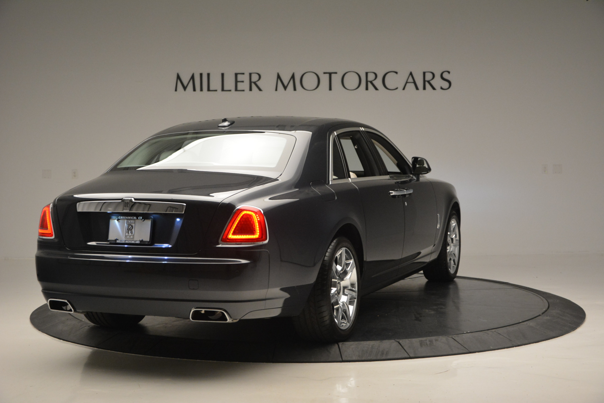 Used 2013 Rolls-Royce Ghost  For Sale In Westport, CT 702_p8