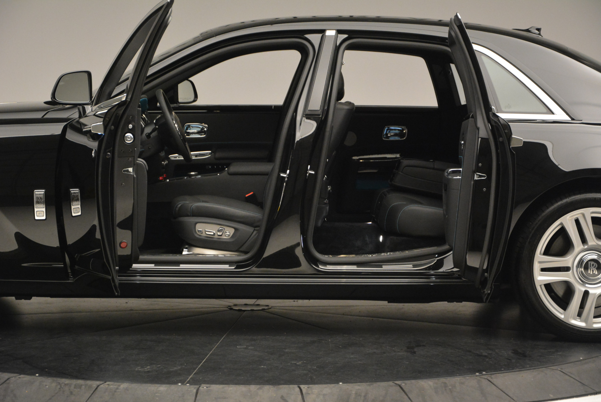 Used 2016 Rolls-Royce Ghost Series II  For Sale In Westport, CT 703_p15