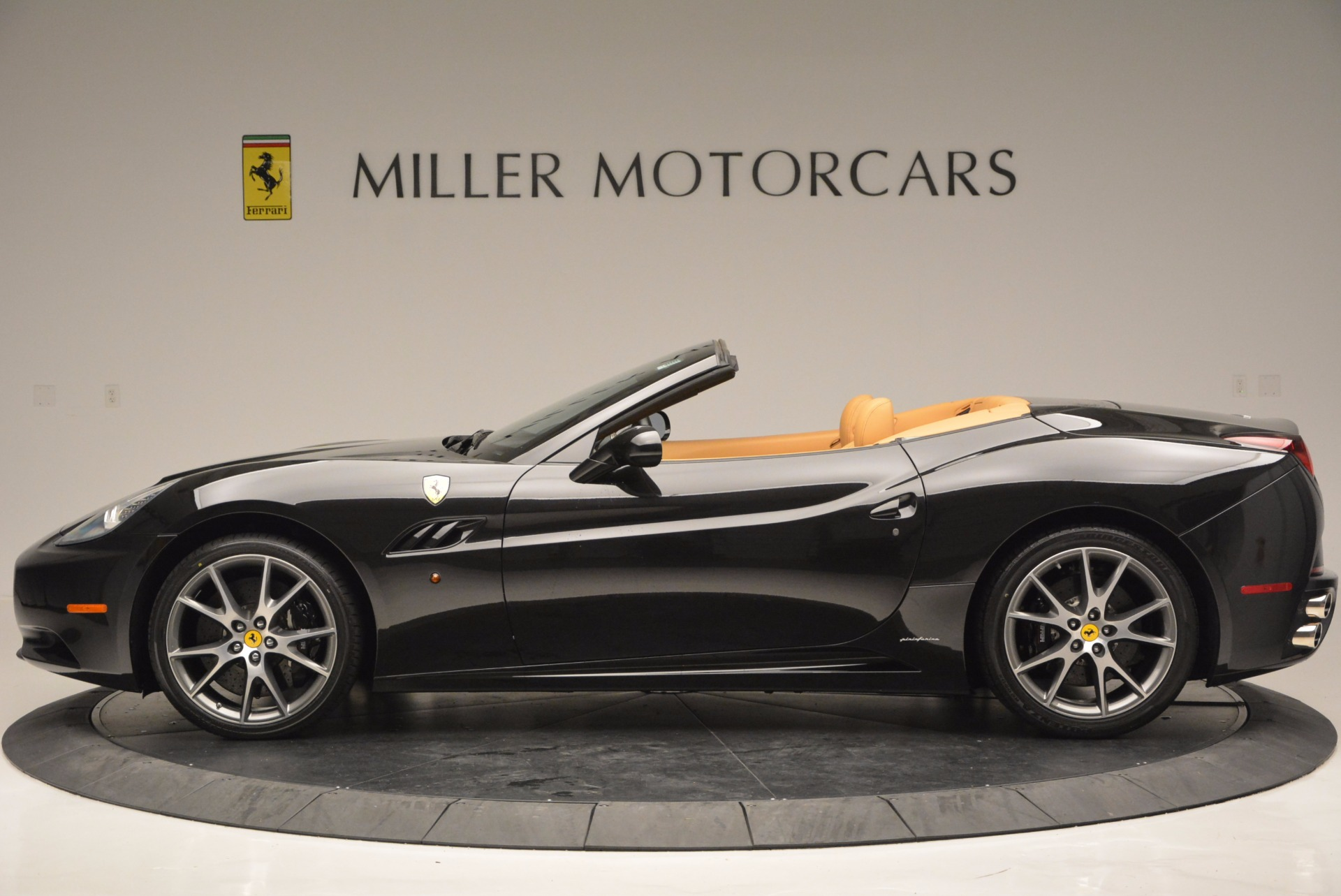 Used 2010 Ferrari California  For Sale In Westport, CT 705_p3