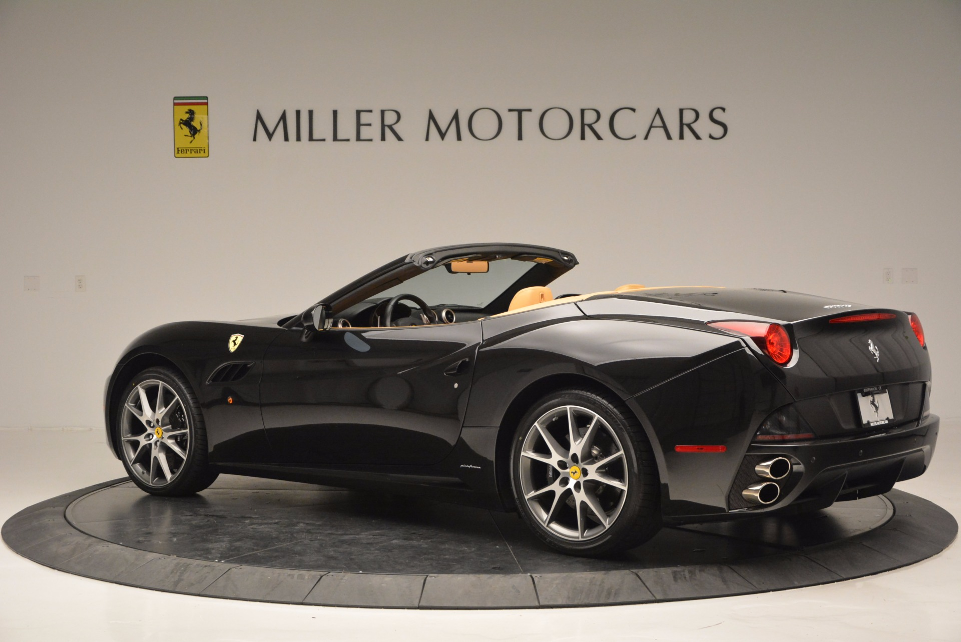 Used 2010 Ferrari California  For Sale In Westport, CT 705_p4