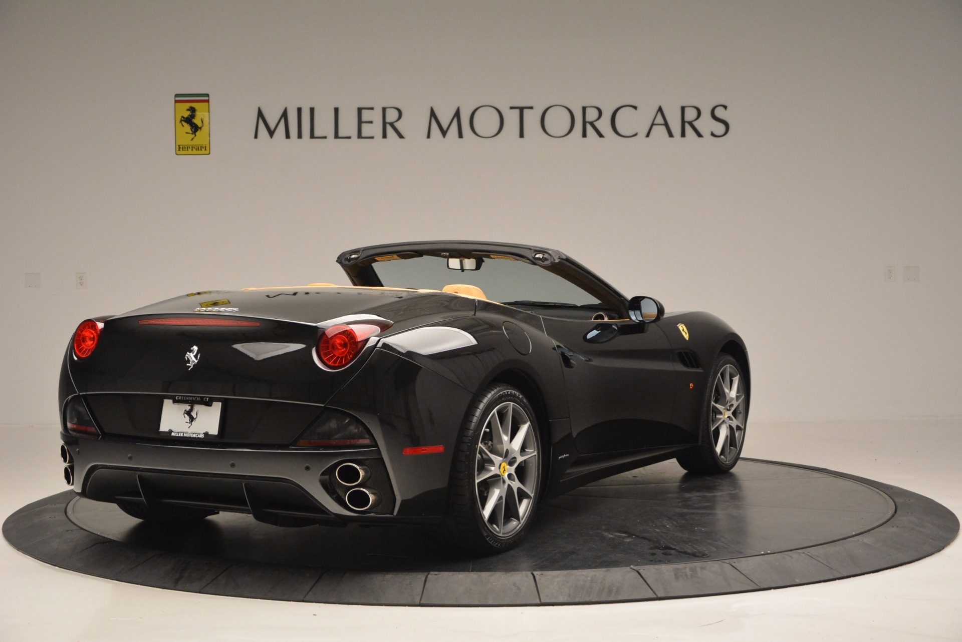 Used 2010 Ferrari California  For Sale In Westport, CT 705_p7