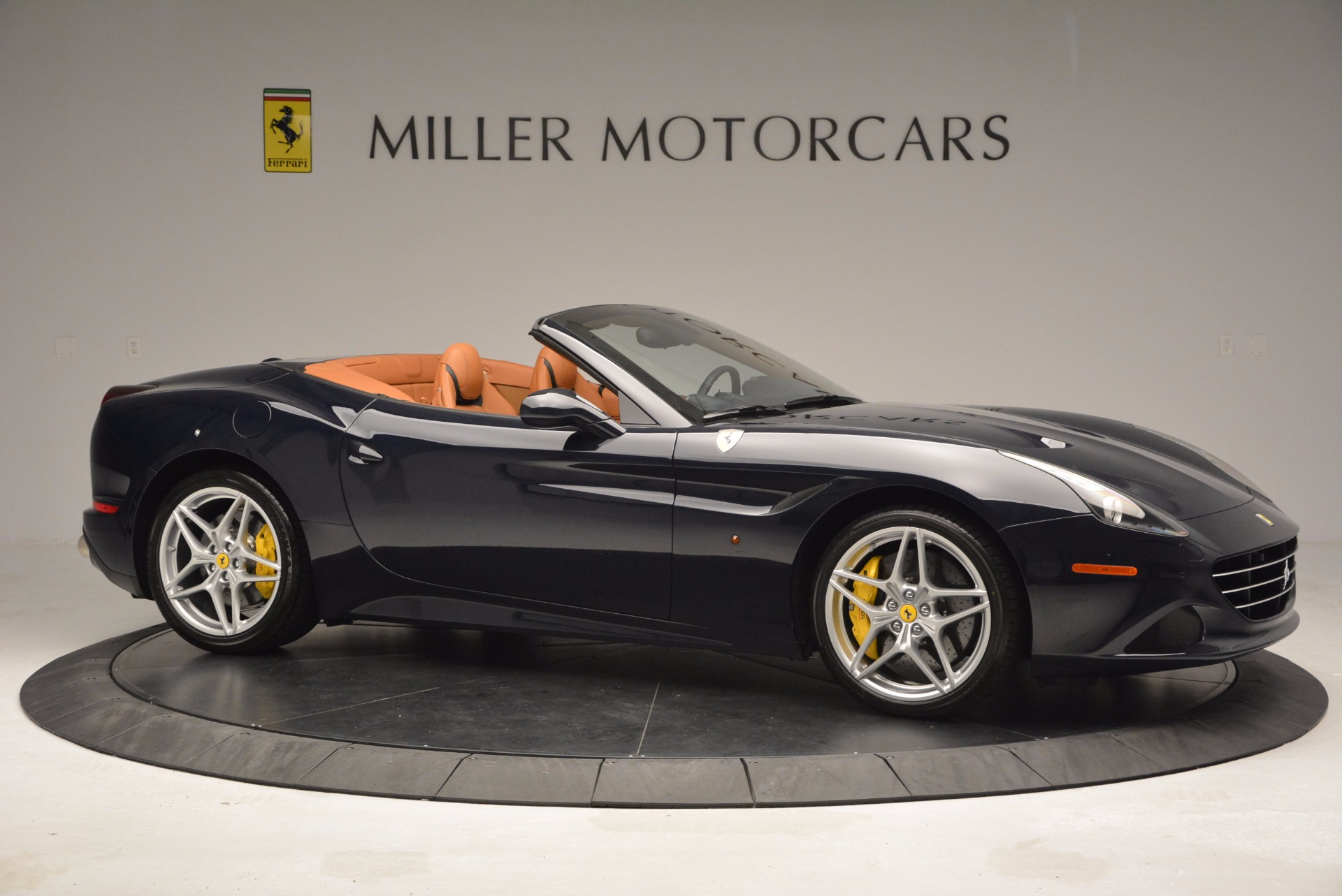 Used 2015 Ferrari California T  For Sale In Westport, CT 737_p10