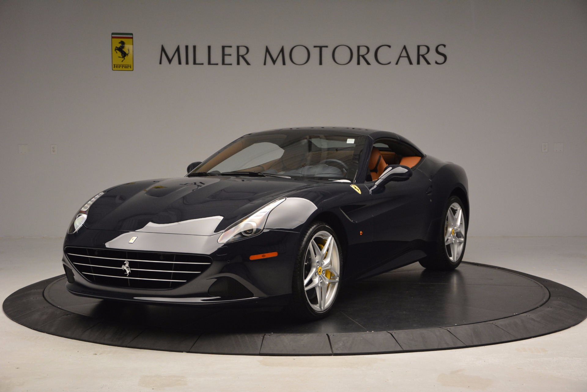 Used 2015 Ferrari California T  For Sale In Westport, CT 737_p13