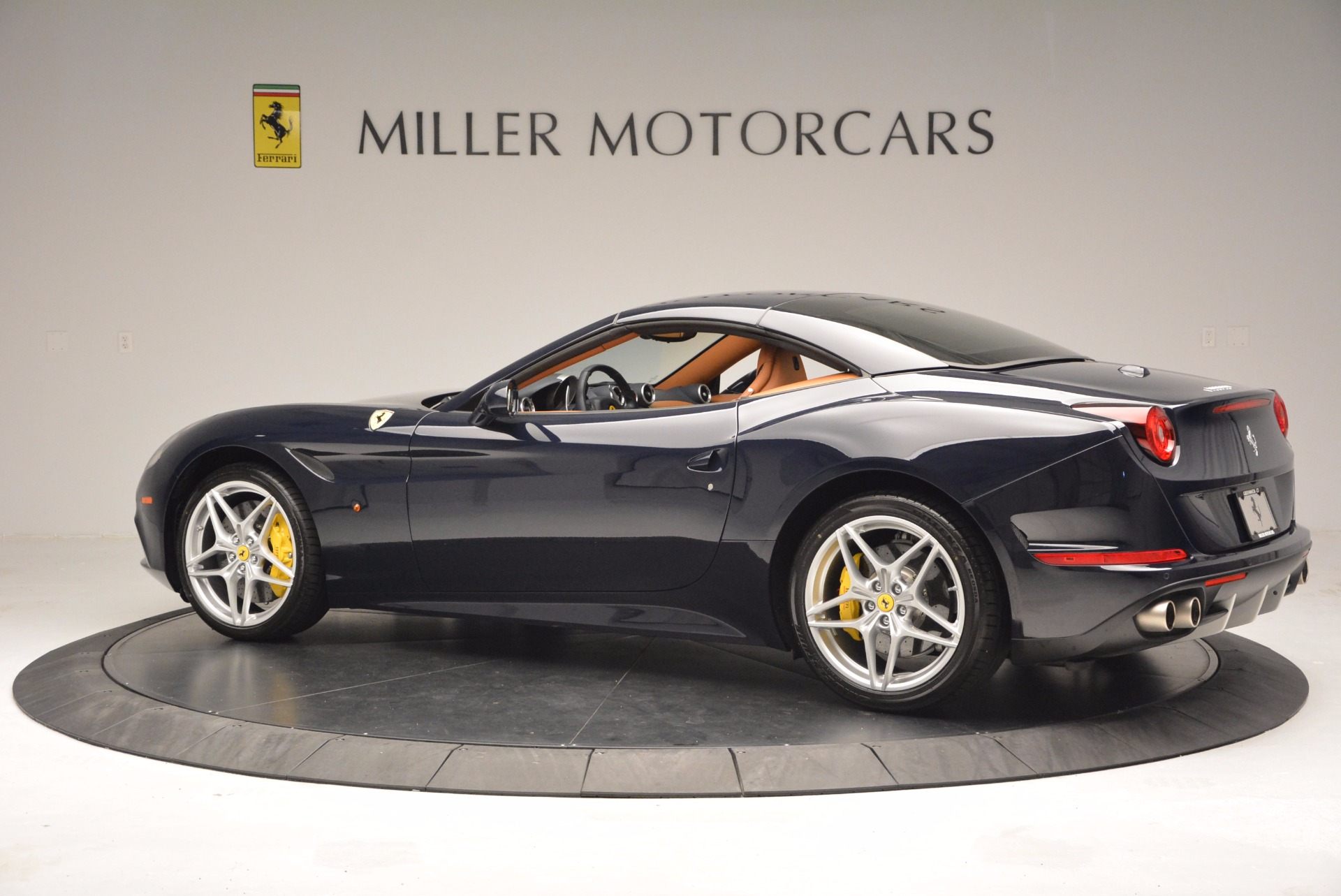 Used 2015 Ferrari California T  For Sale In Westport, CT 737_p16