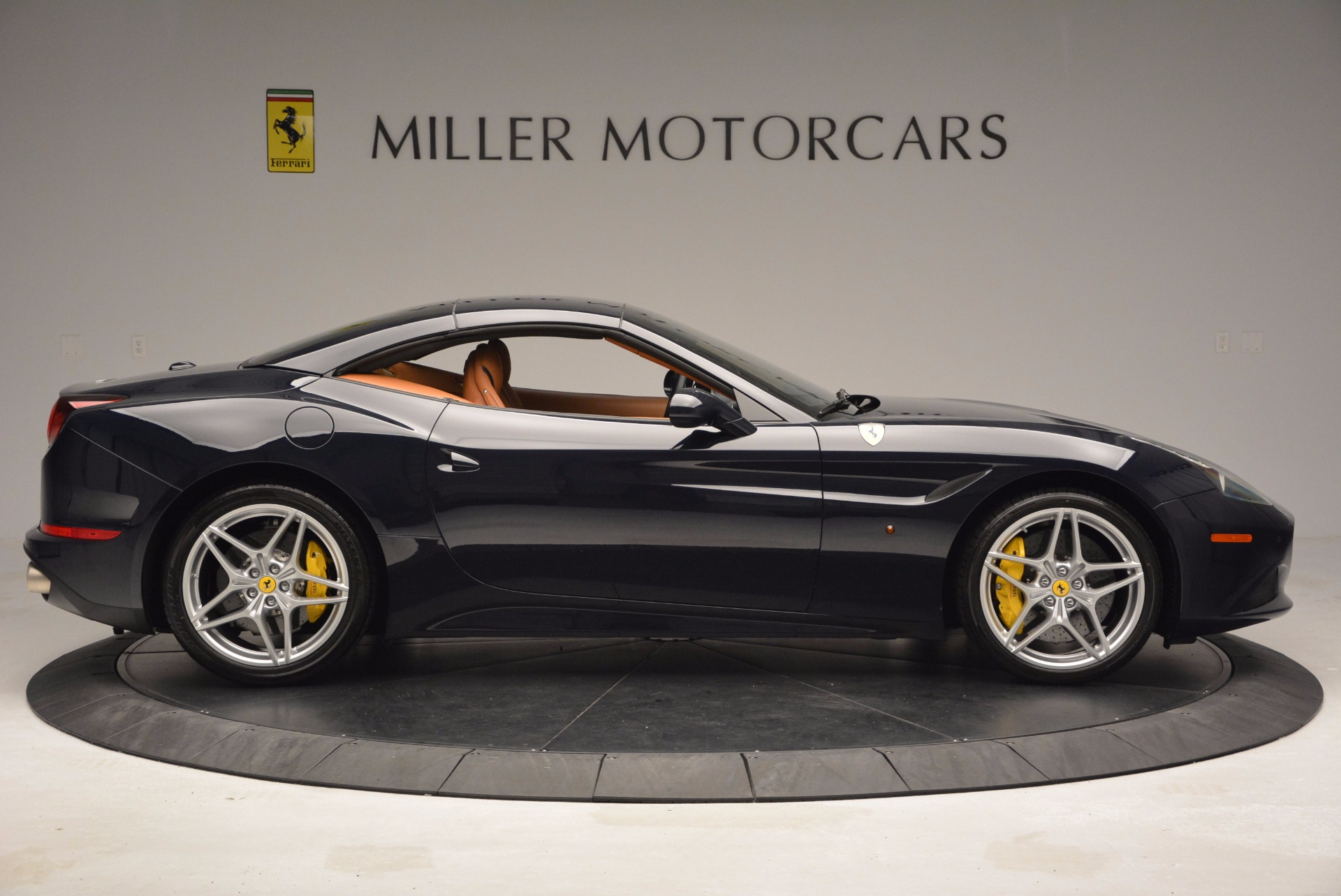 Used 2015 Ferrari California T  For Sale In Westport, CT 737_p21