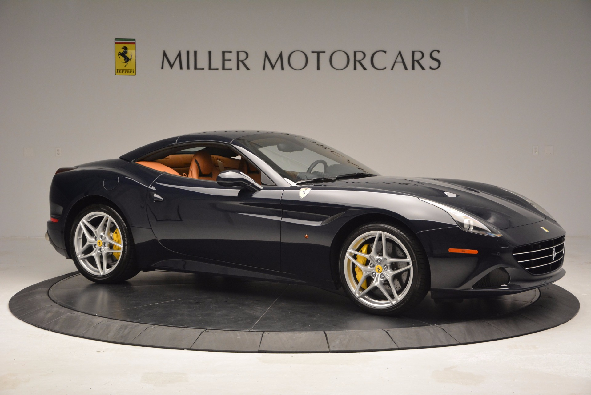 Used 2015 Ferrari California T  For Sale In Westport, CT 737_p22