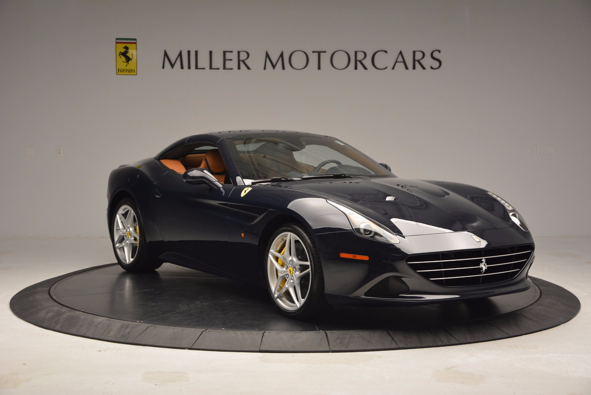 Used 2015 Ferrari California T  For Sale In Westport, CT 737_p23