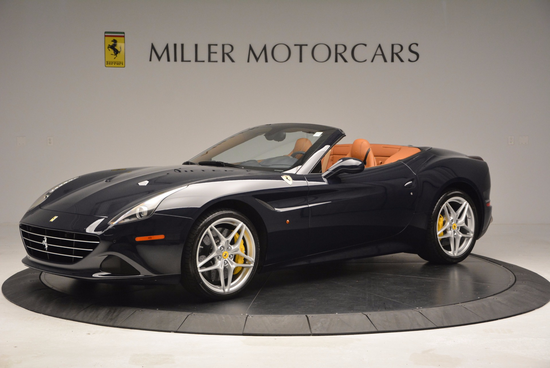 Used 2015 Ferrari California T  For Sale In Westport, CT 737_p2