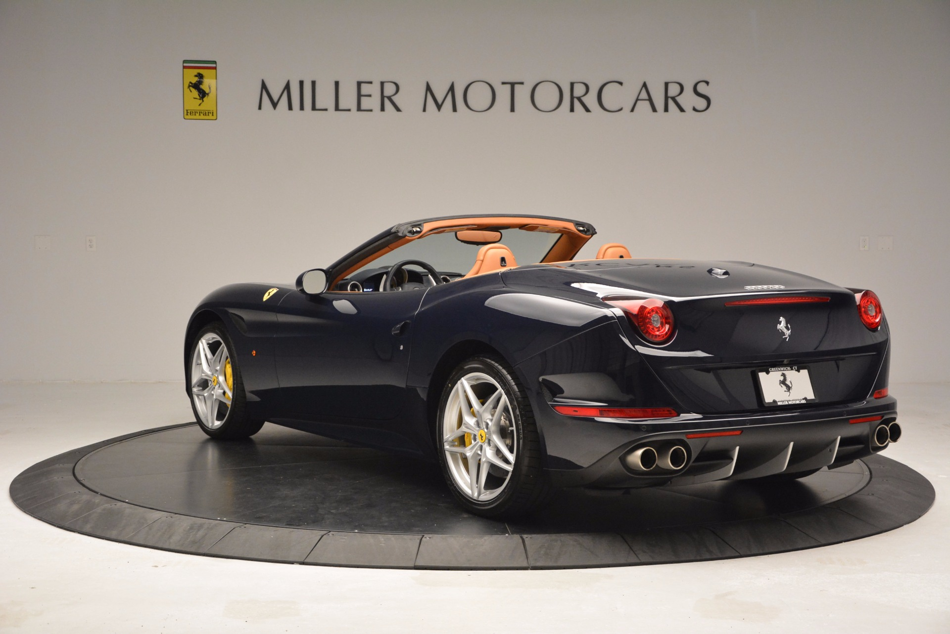 Used 2015 Ferrari California T  For Sale In Westport, CT 737_p5