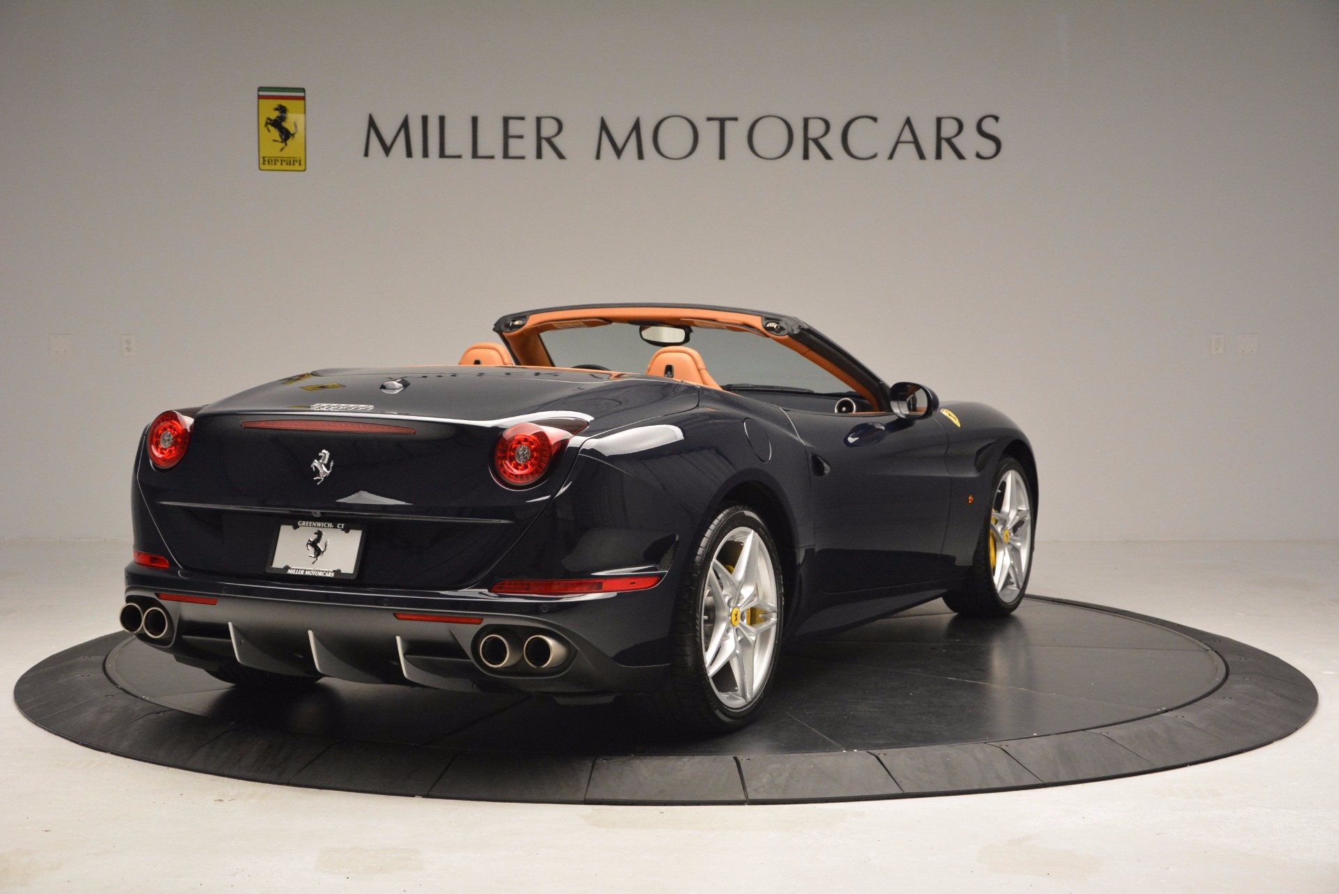 Used 2015 Ferrari California T  For Sale In Westport, CT 737_p7
