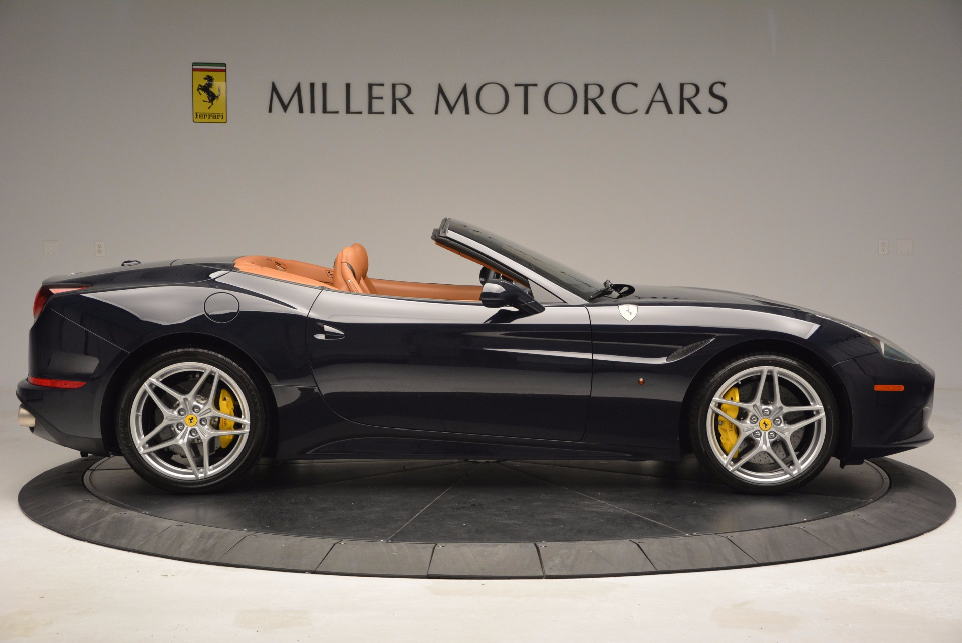 Used 2015 Ferrari California T  For Sale In Westport, CT 737_p9