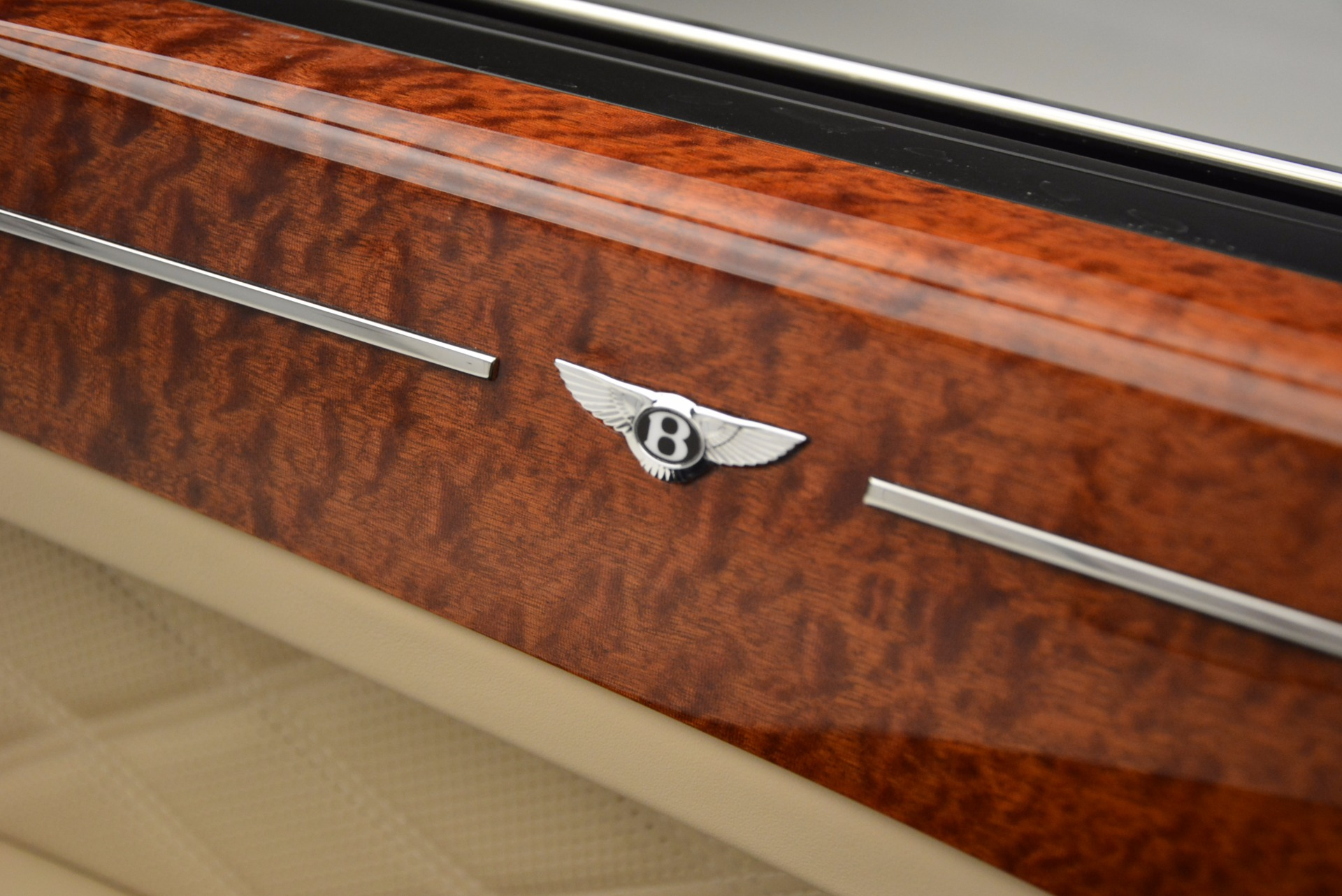Used 2016 Bentley Mulsanne  For Sale In Westport, CT 742_p17