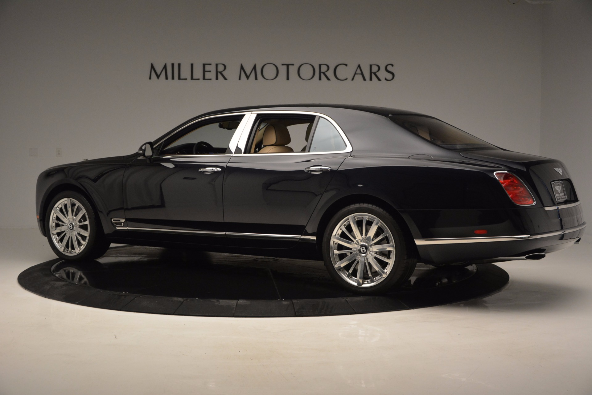 Used 2016 Bentley Mulsanne  For Sale In Westport, CT 742_p4