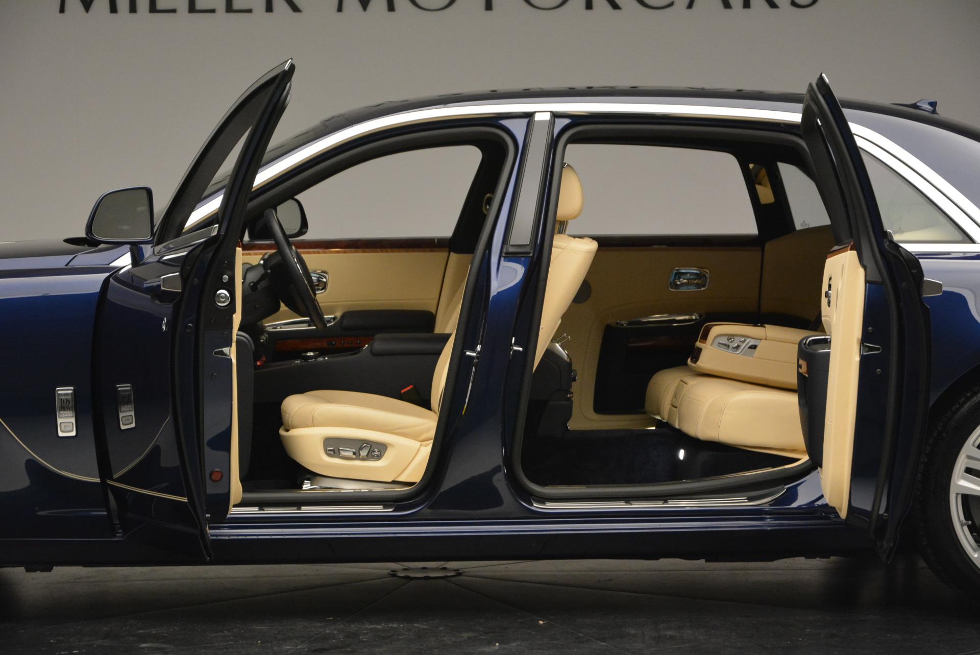 Used 2016 Rolls-Royce Ghost EWB For Sale In Westport, CT 746_p16