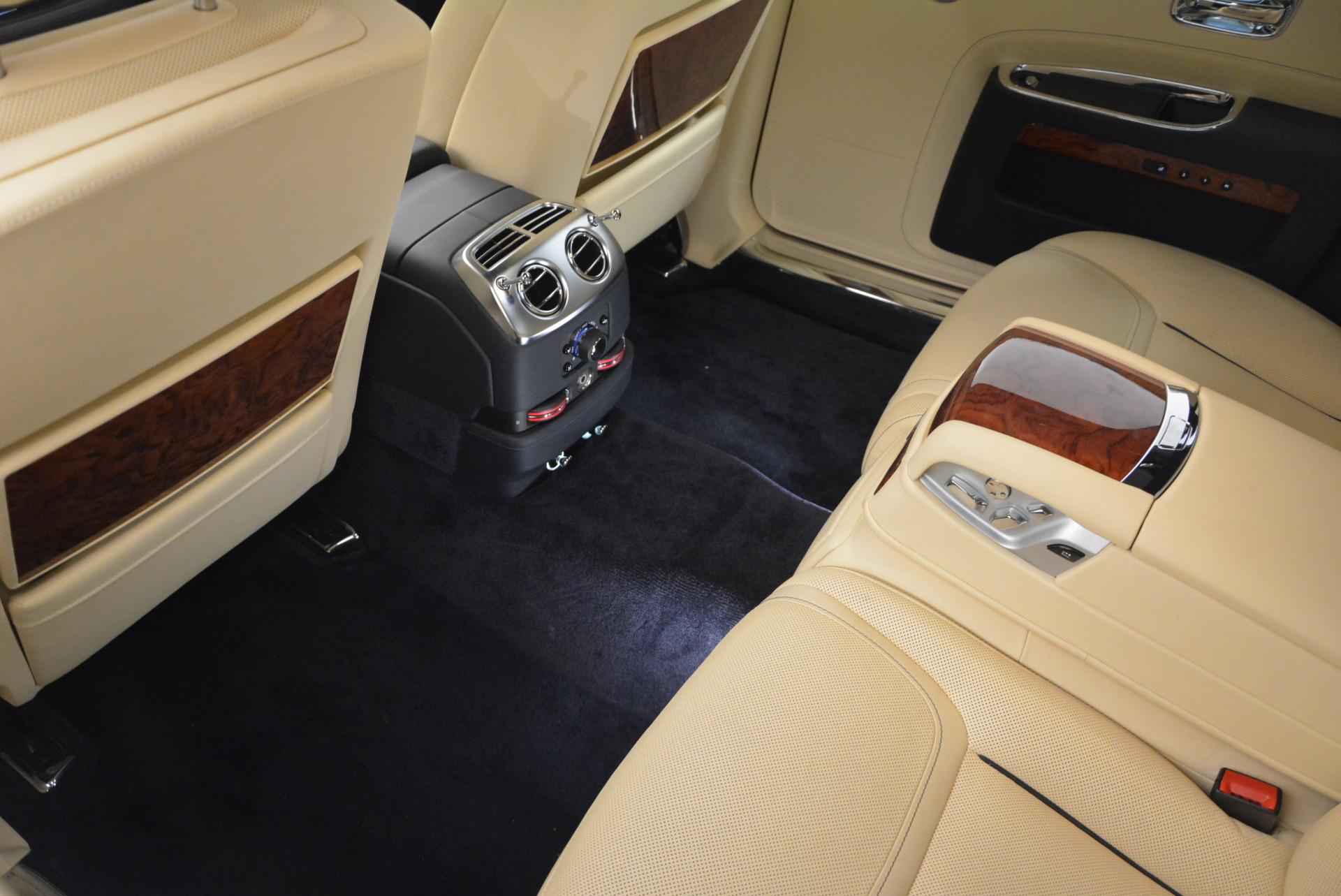 Used 2016 Rolls-Royce Ghost EWB For Sale In Westport, CT 746_p27