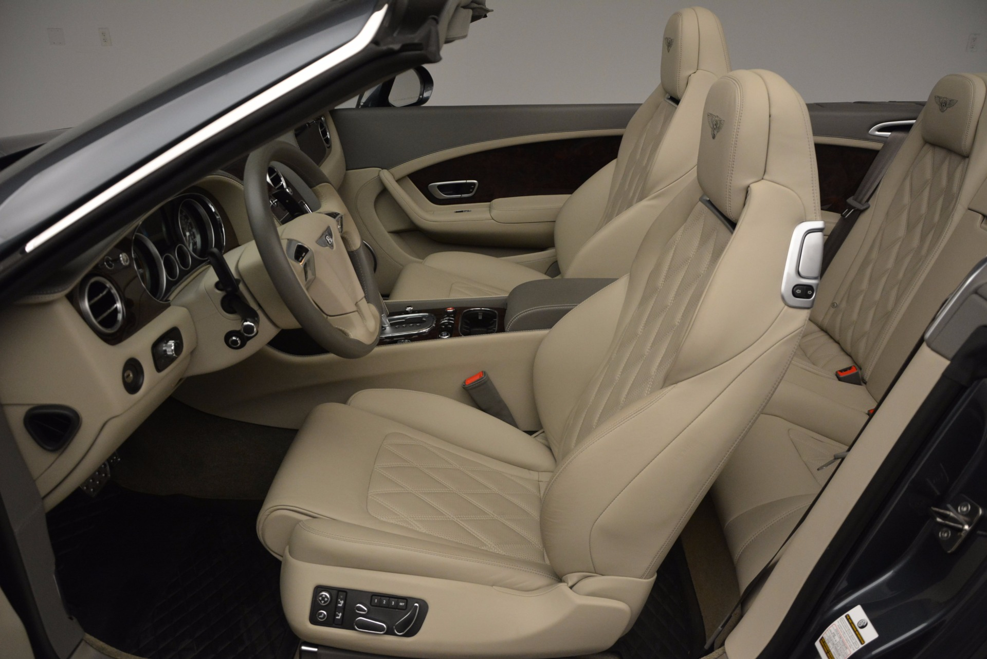 Used 2014 Bentley Continental GT V8 For Sale In Westport, CT 753_p37