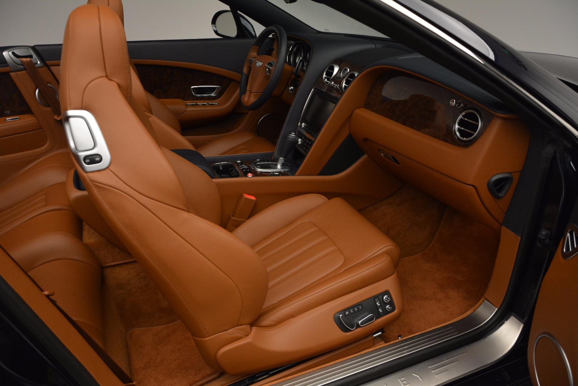 Used 2014 Bentley Continental GT V8 For Sale In Westport, CT 754_p44