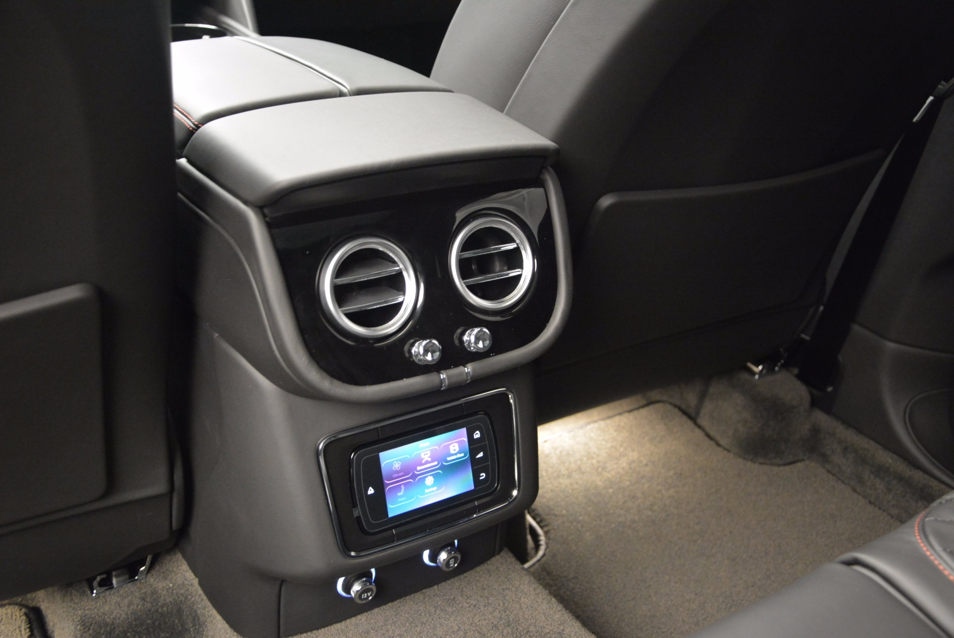 New 2017 Bentley Bentayga  For Sale In Westport, CT 755_p36