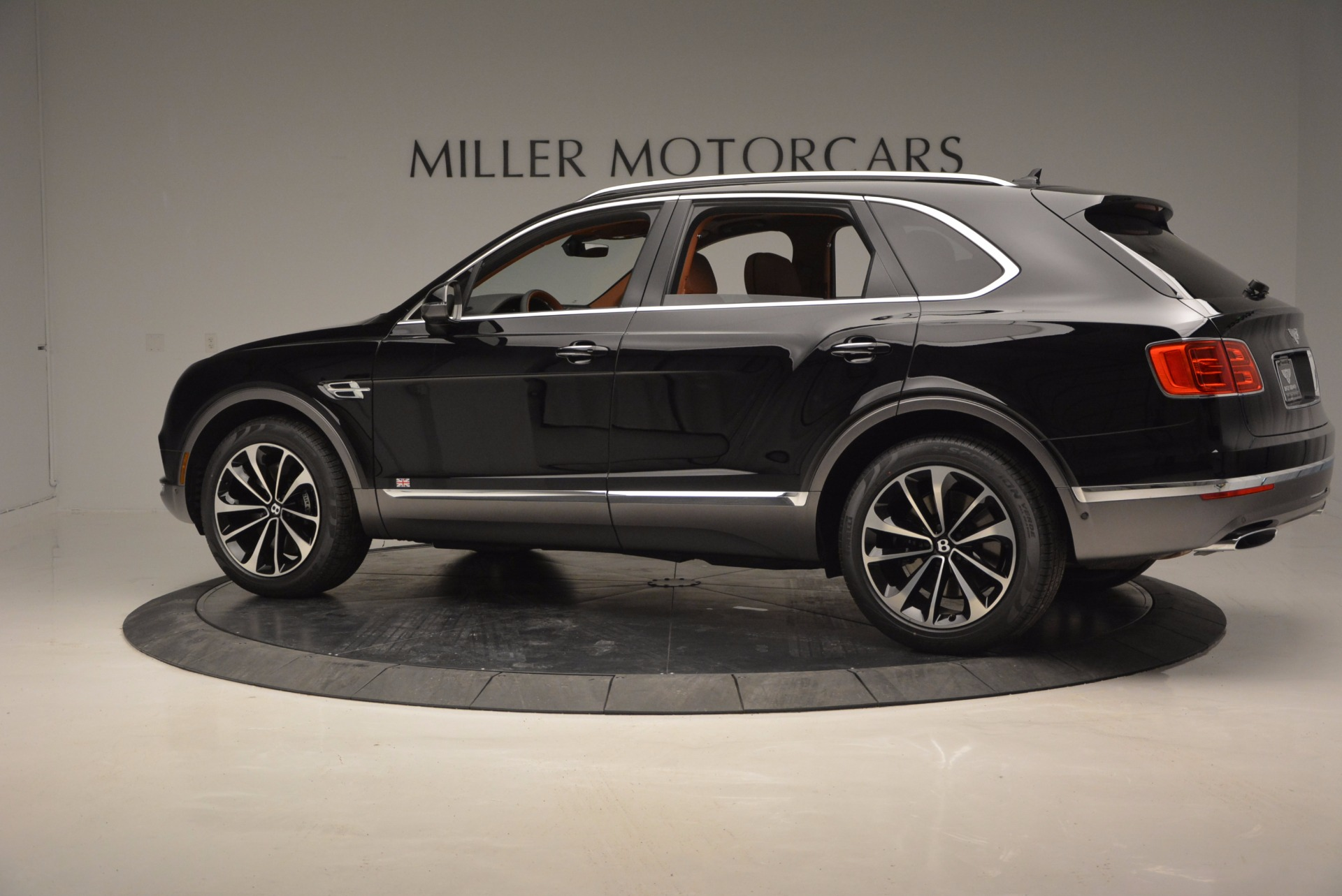 New 2017 Bentley Bentayga  For Sale In Westport, CT 757_p4
