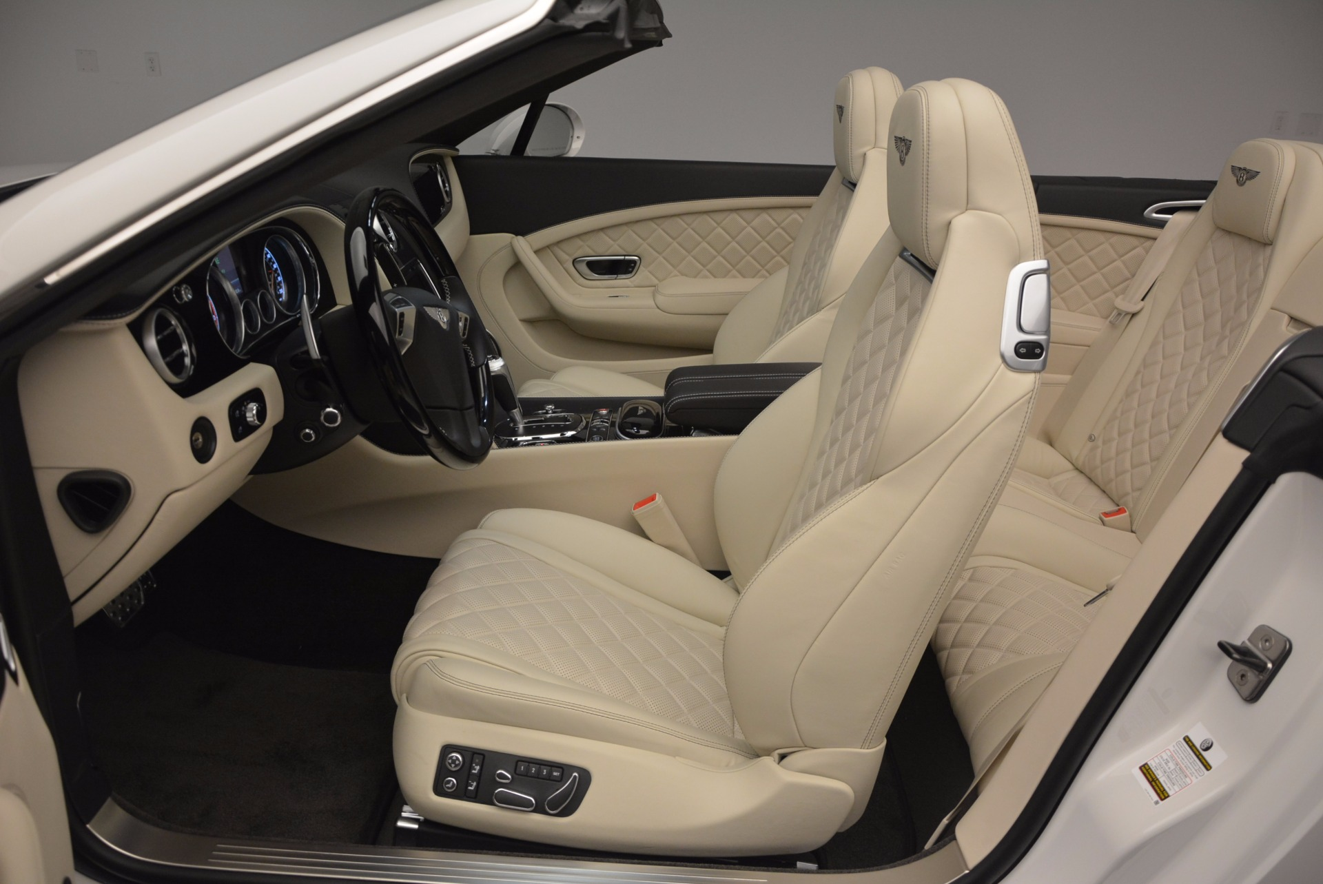 New 2017 Bentley Continental GT Speed Convertible  For Sale In Westport, CT 761_p37