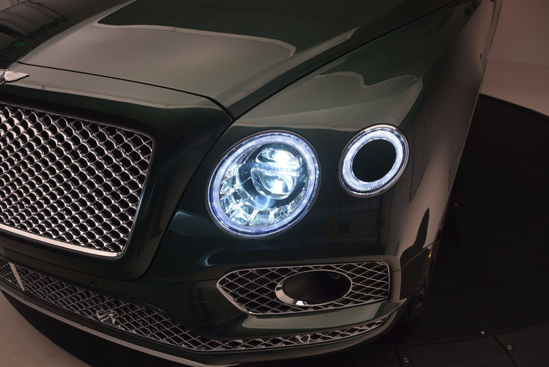 New 2017 Bentley Bentayga  For Sale In Westport, CT 796_p17