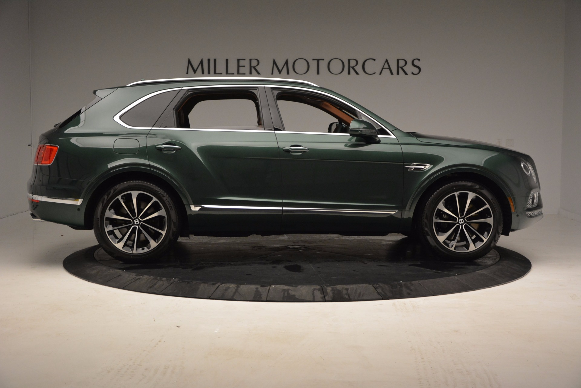 New 2017 Bentley Bentayga  For Sale In Westport, CT 796_p9