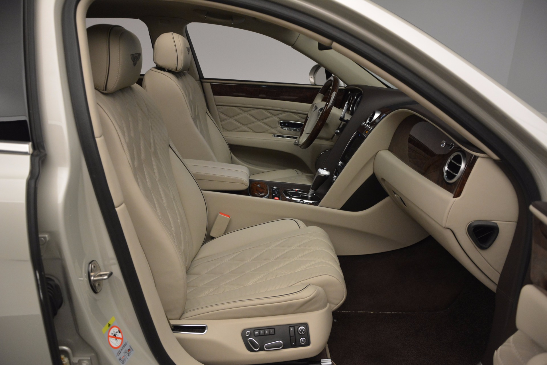 Used 2016 Bentley Flying Spur W12  For Sale In Westport, CT 804_p46