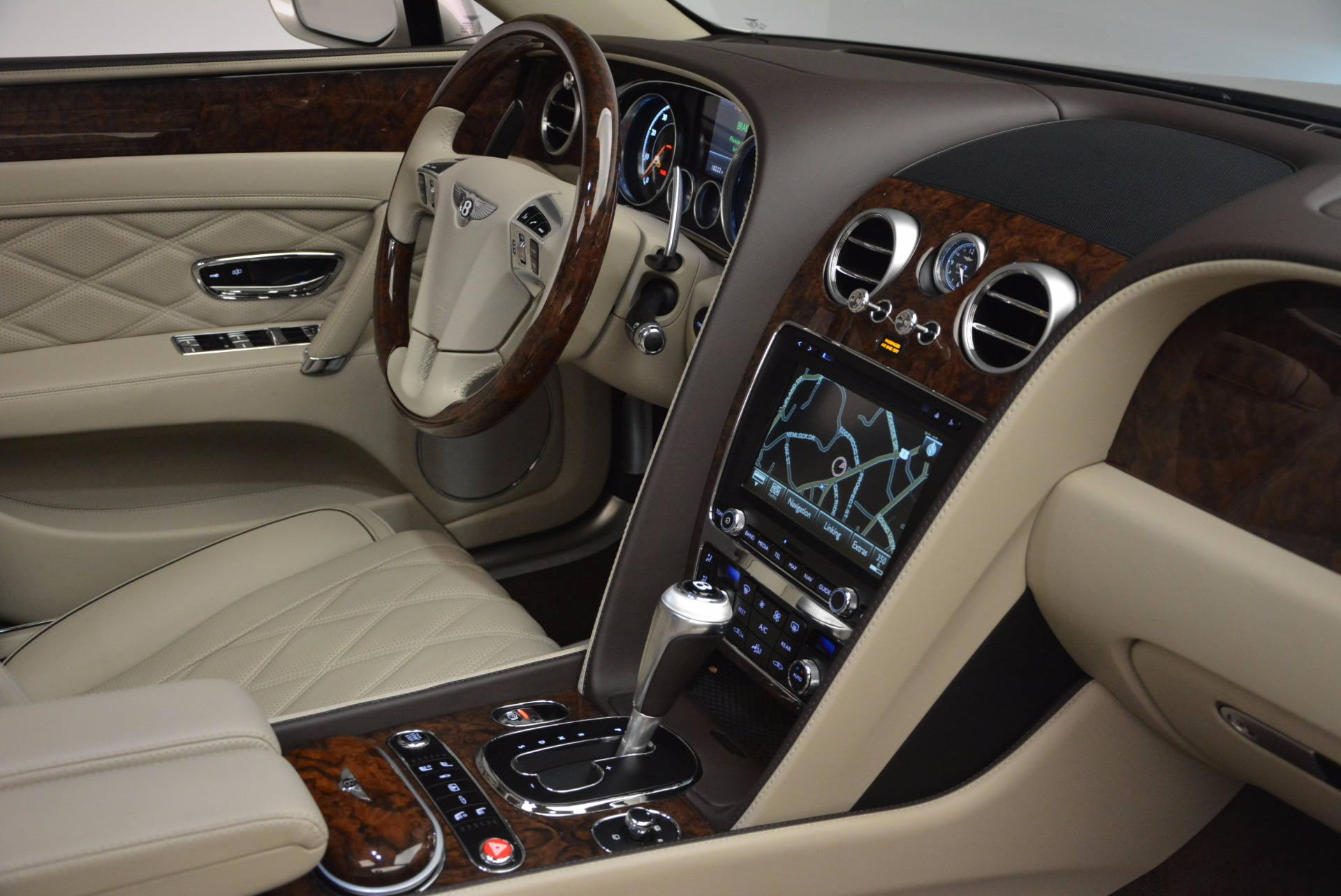 Used 2016 Bentley Flying Spur W12  For Sale In Westport, CT 804_p48