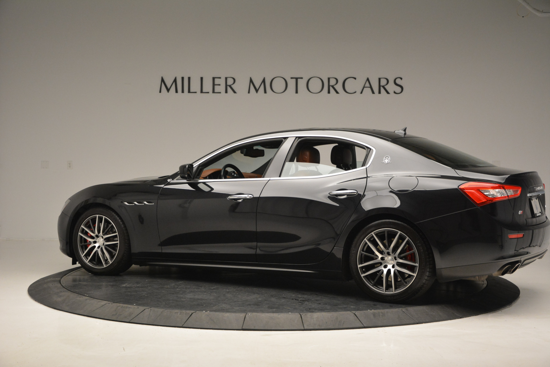 Used 2014 Maserati Ghibli S Q4 For Sale In Westport, CT 805_p4
