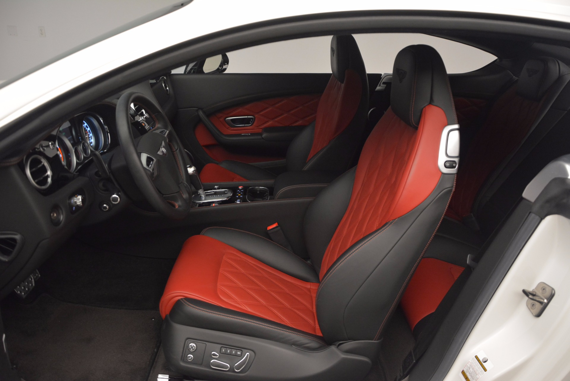 Used 2014 Bentley Continental GT V8 S For Sale In Westport, CT 806_p26