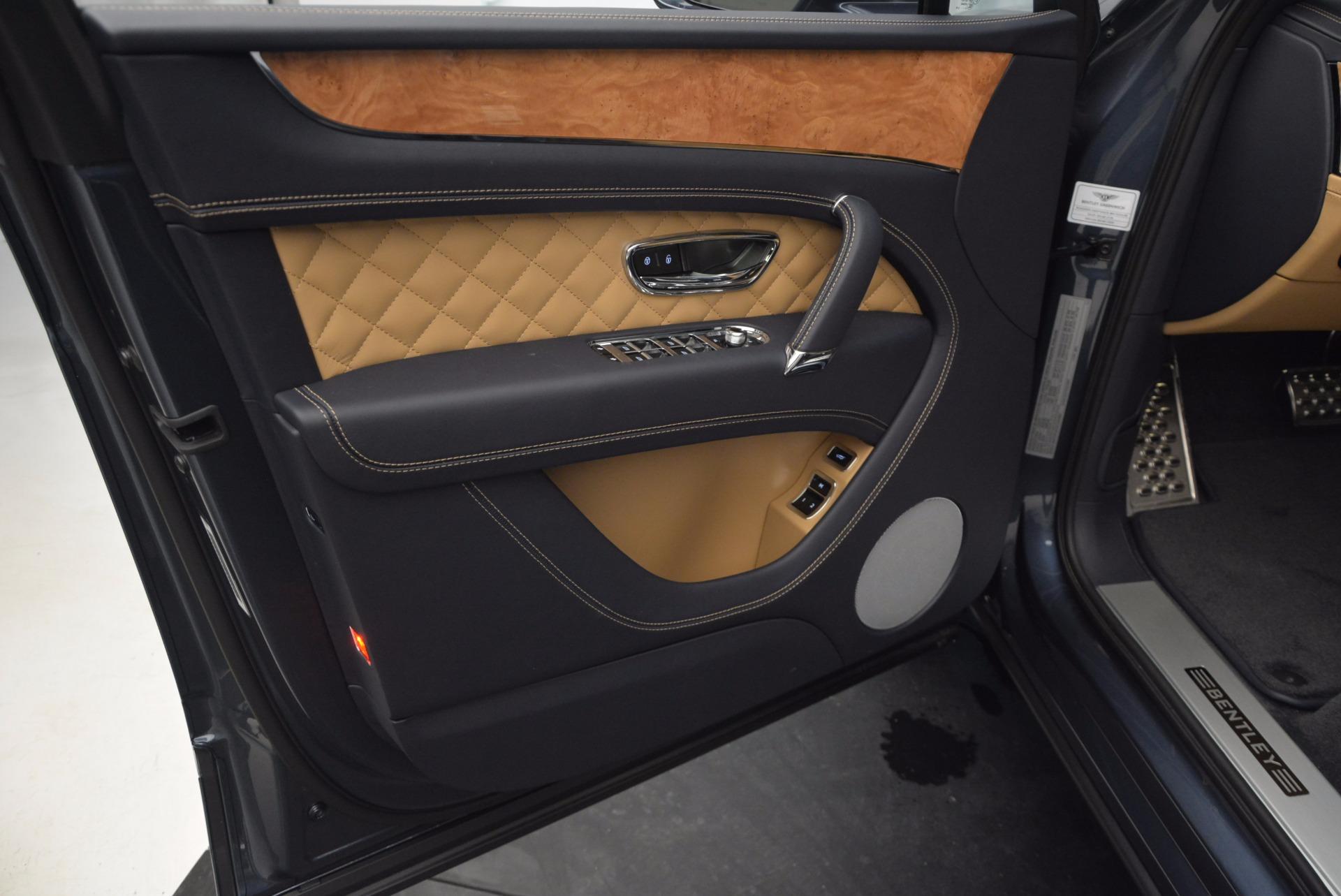 New 2017 Bentley Bentayga  For Sale In Westport, CT 810_p23