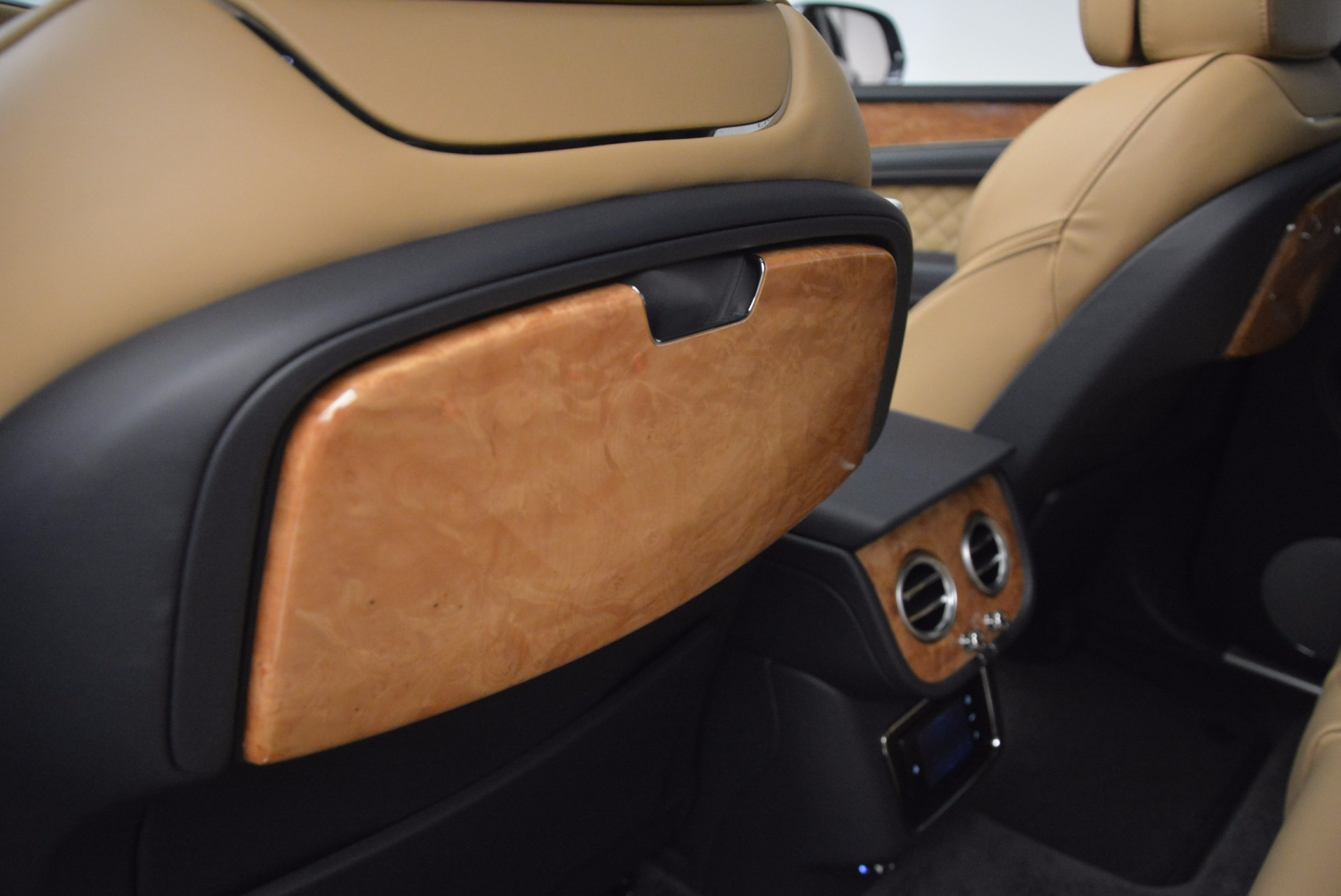 New 2017 Bentley Bentayga  For Sale In Westport, CT 810_p32