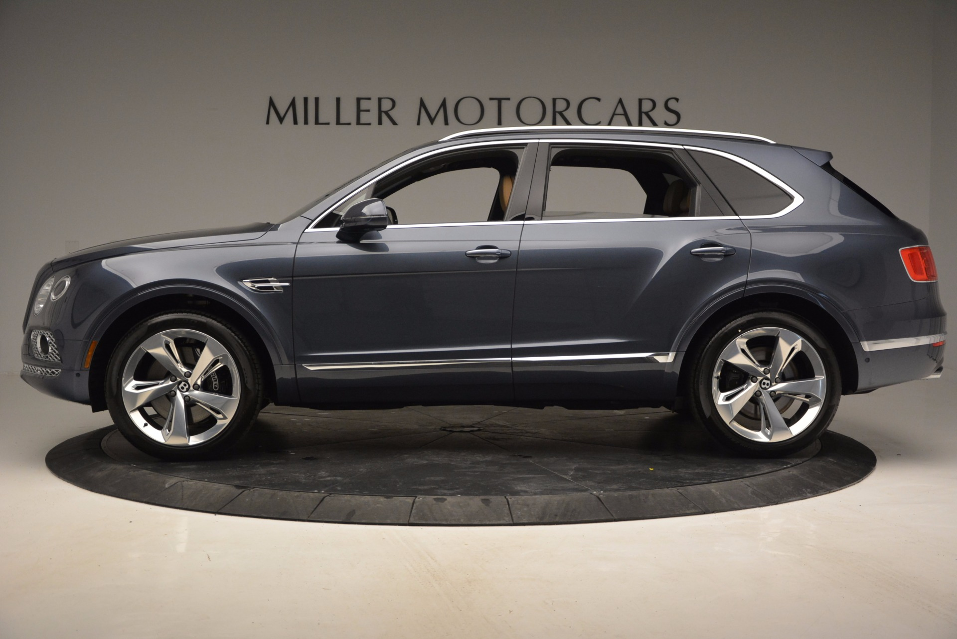 New 2017 Bentley Bentayga  For Sale In Westport, CT 810_p3