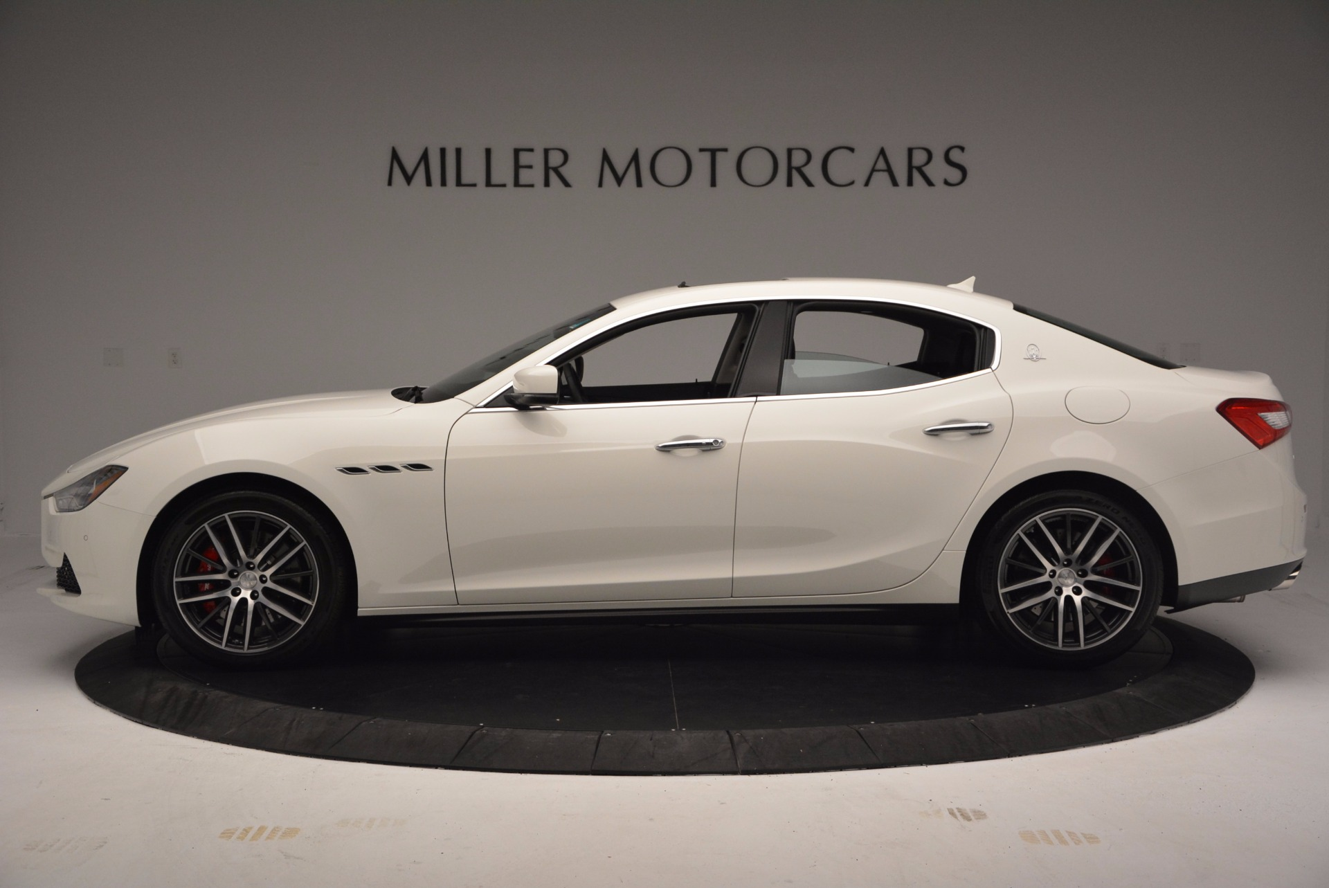 Used 2017 Maserati Ghibli S Q4 For Sale In Westport, CT 813_p4