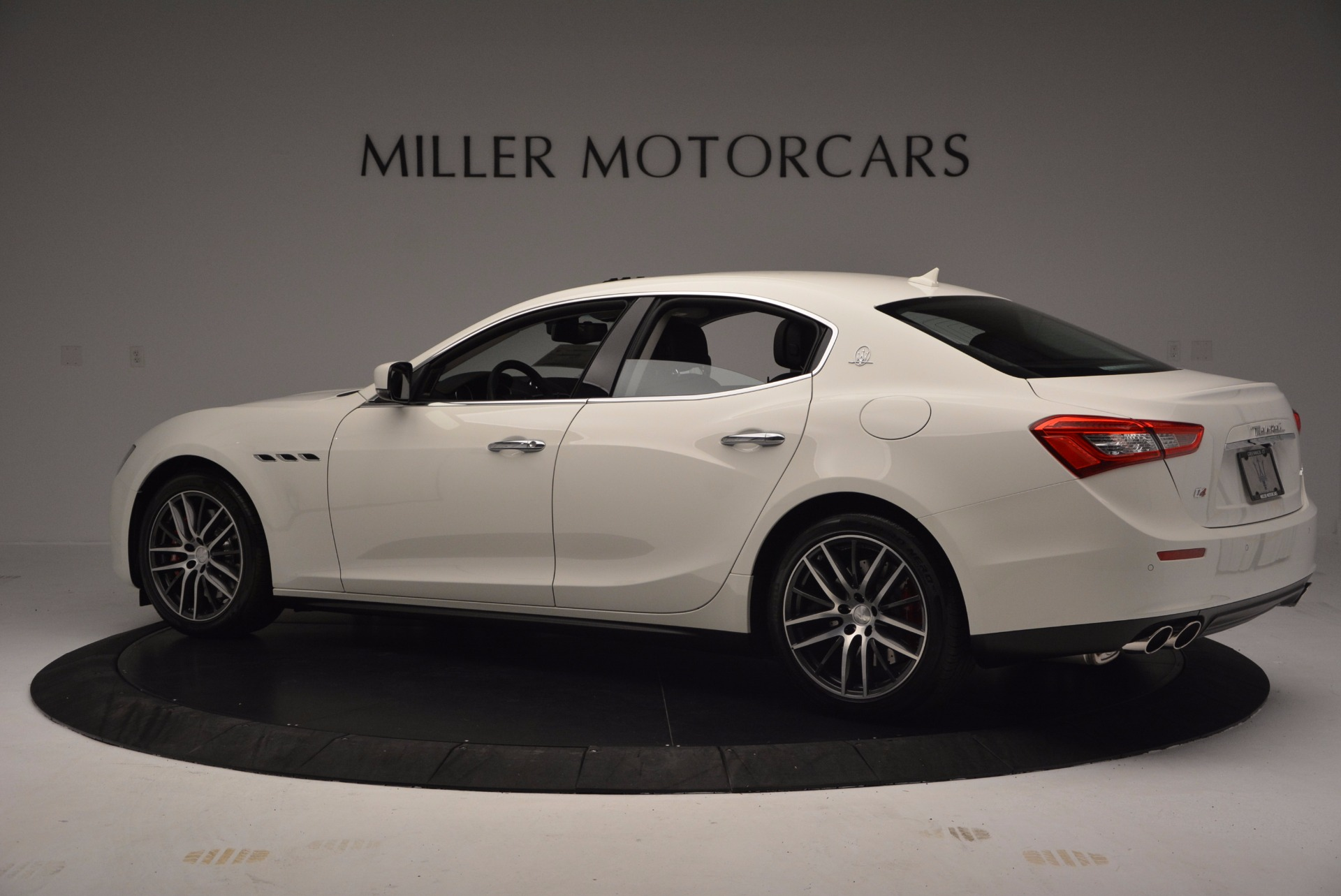 Used 2017 Maserati Ghibli S Q4 For Sale In Westport, CT 813_p5
