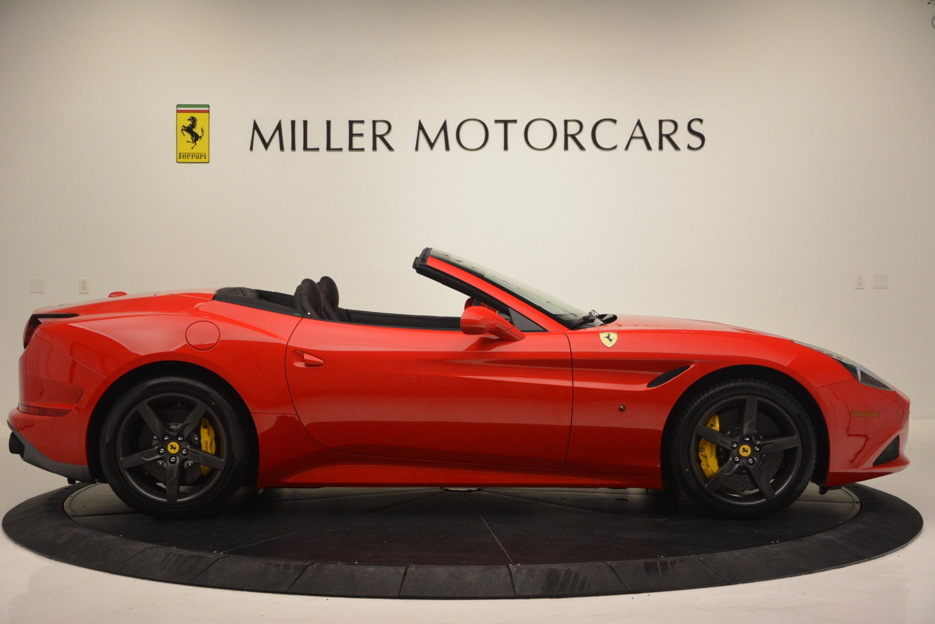 Used 2016 Ferrari California T Handling Speciale For Sale In Westport, CT 818_p9