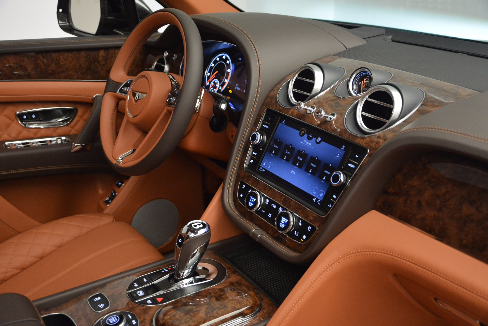 New 2017 Bentley Bentayga  For Sale In Westport, CT 852_p44