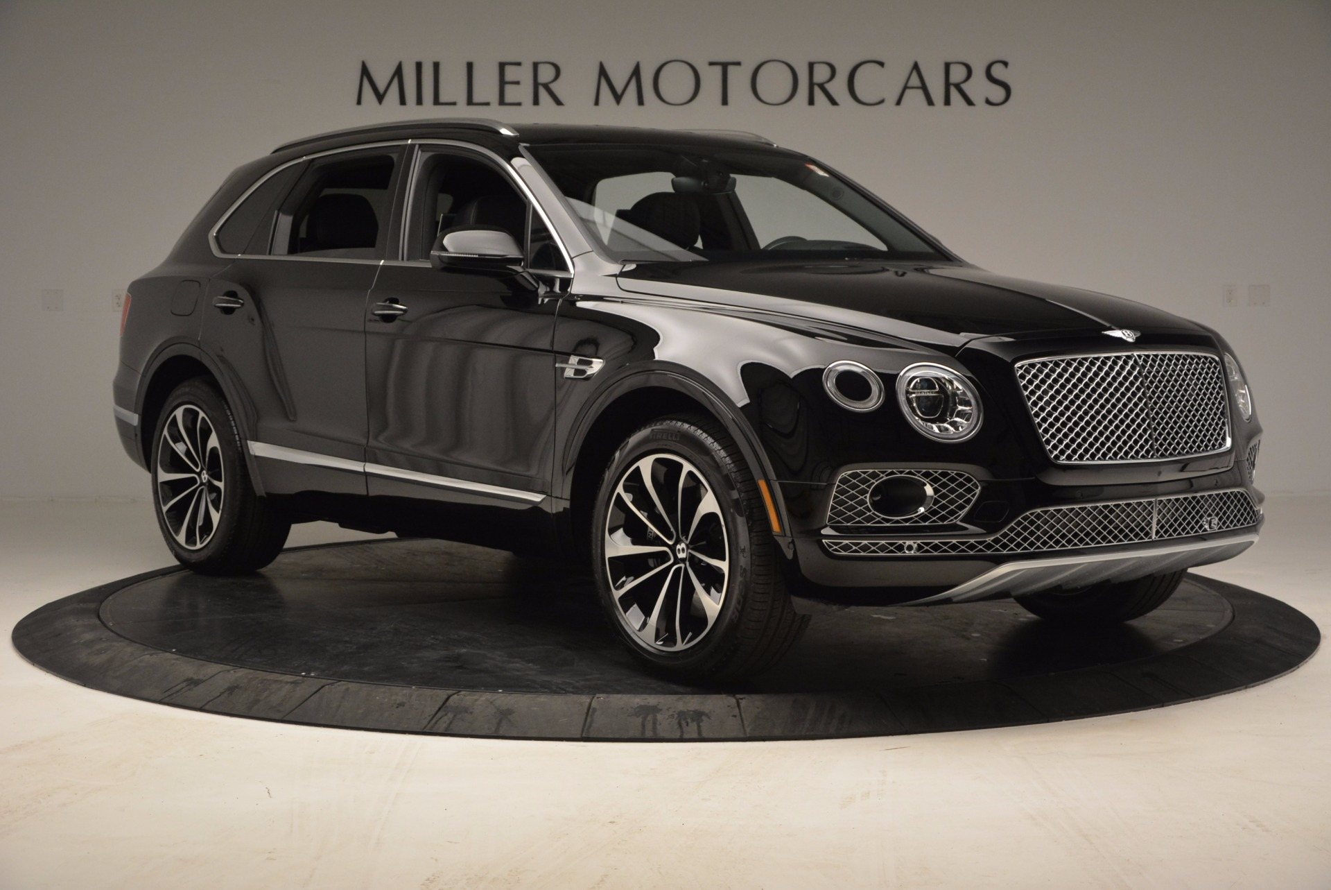 Used 2017 Bentley Bentayga  For Sale In Westport, CT 853_p11