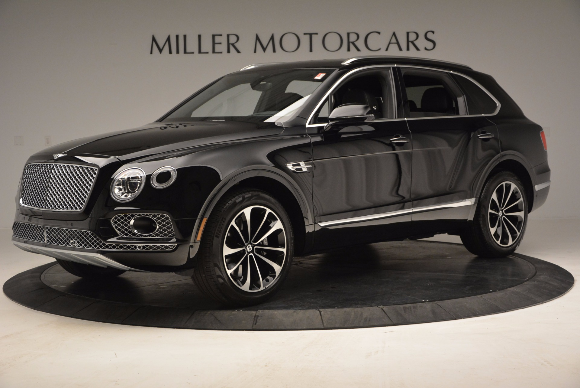Used 2017 Bentley Bentayga  For Sale In Westport, CT 853_p2