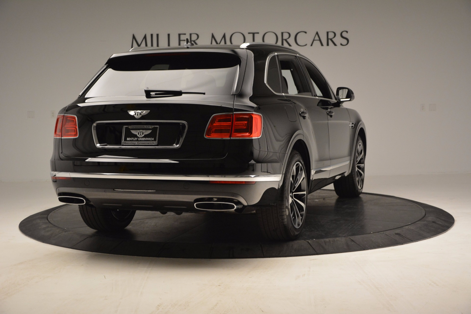 Used 2017 Bentley Bentayga  For Sale In Westport, CT 853_p7
