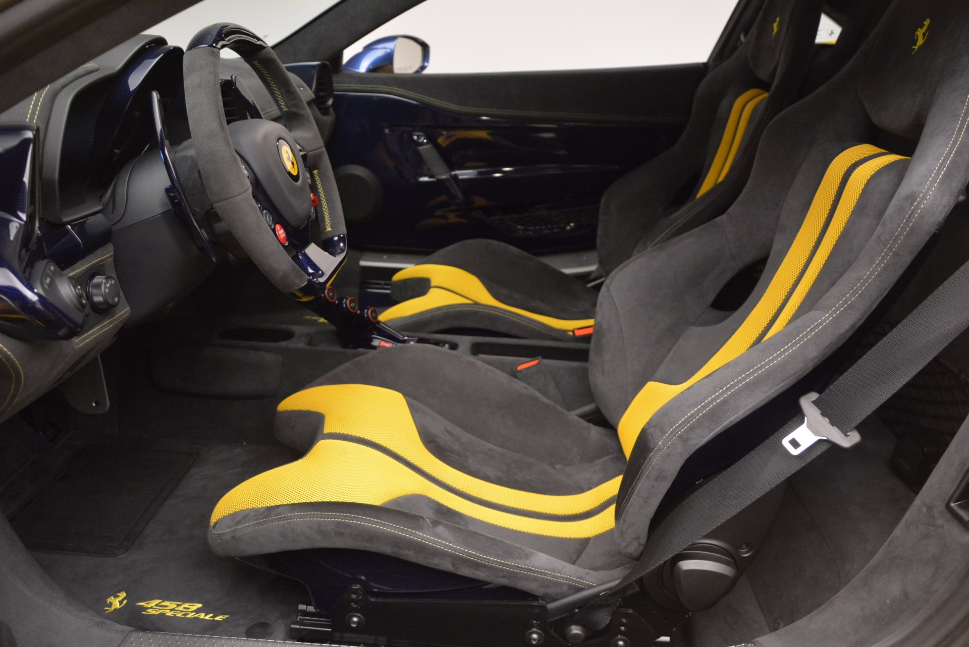 Used 2015 Ferrari 458 Speciale  For Sale In Westport, CT 857_p21