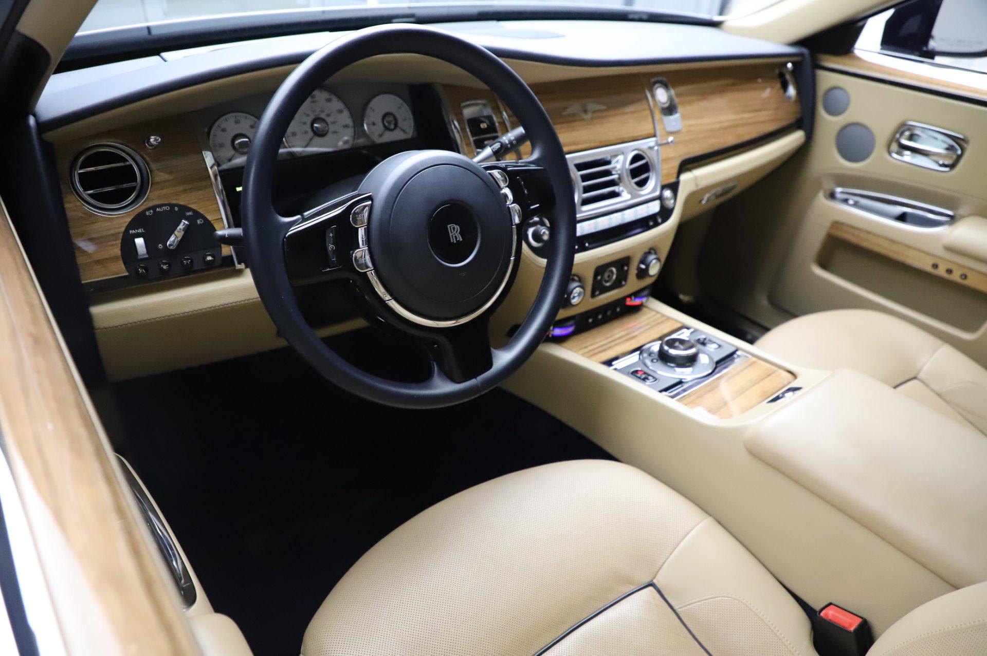 Used 2014 Rolls-Royce Ghost V-Spec For Sale In Westport, CT 858_p11