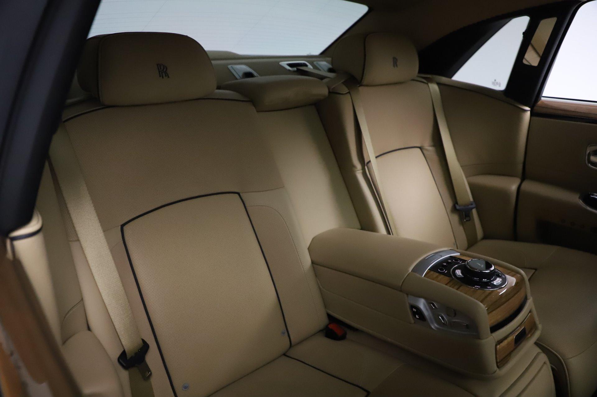 Used 2014 Rolls-Royce Ghost V-Spec For Sale In Westport, CT 858_p13
