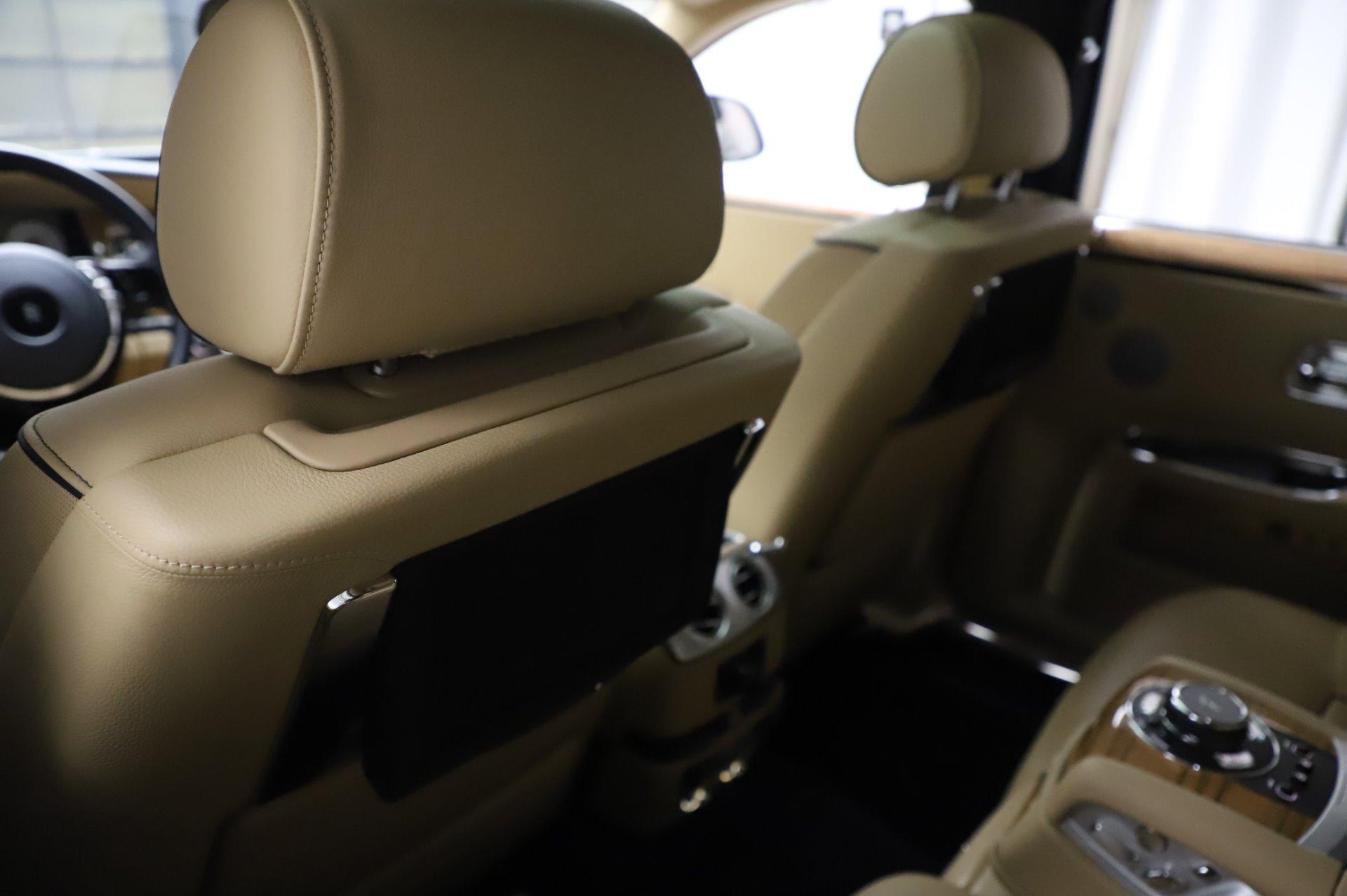 Used 2014 Rolls-Royce Ghost V-Spec For Sale In Westport, CT 858_p15