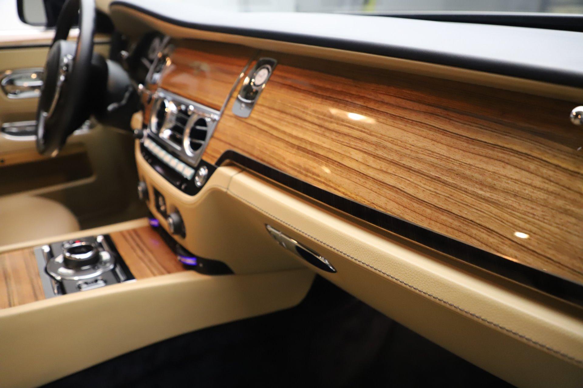 Used 2014 Rolls-Royce Ghost V-Spec For Sale In Westport, CT 858_p17