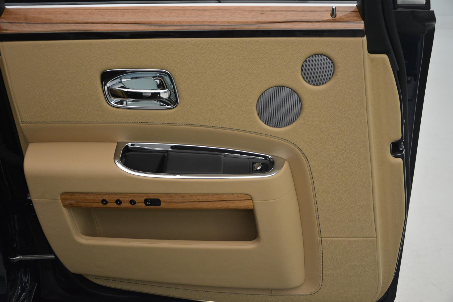 Used 2014 Rolls-Royce Ghost V-Spec For Sale In Westport, CT 858_p27
