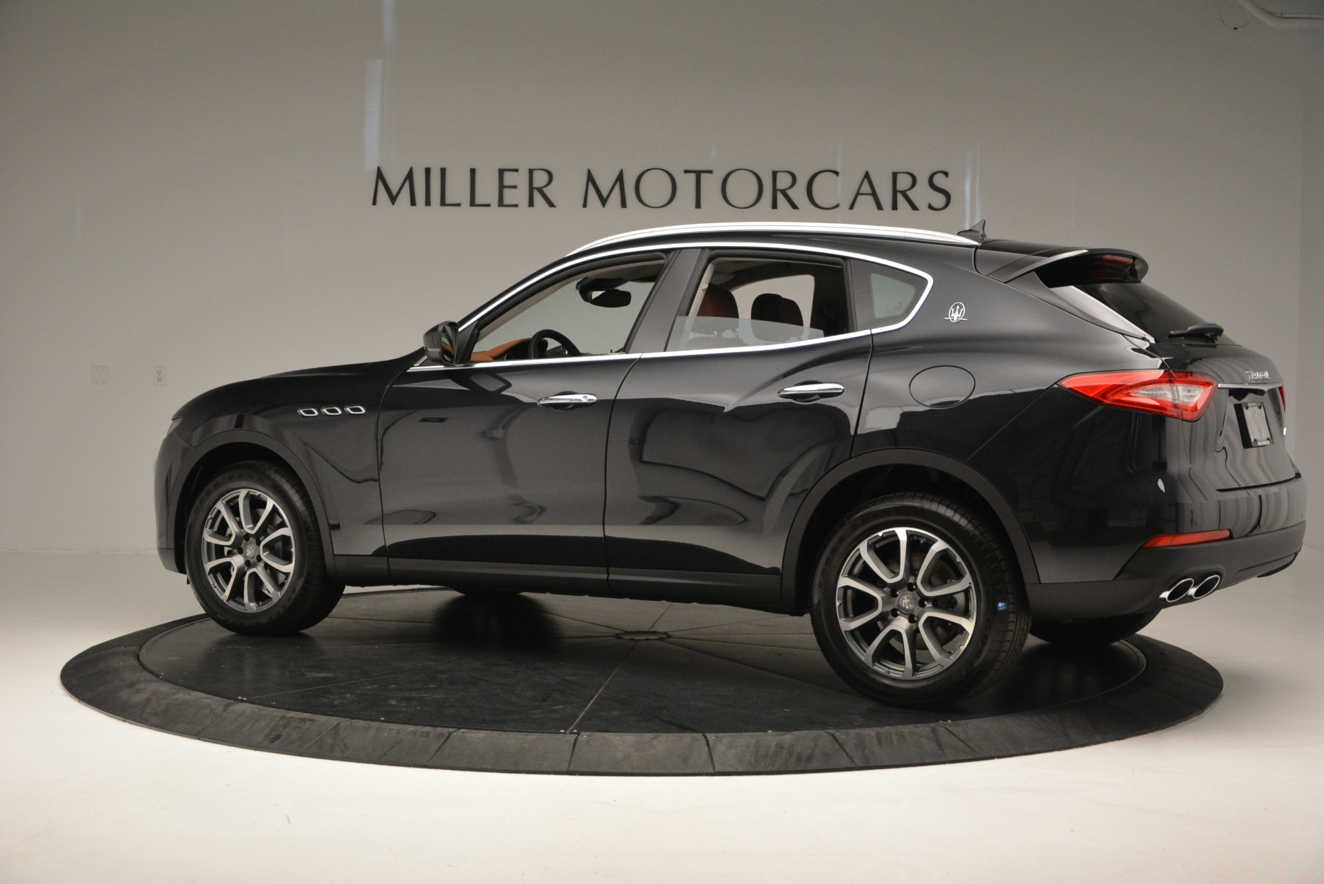 New 2017 Maserati Levante  For Sale In Westport, CT 876_p4